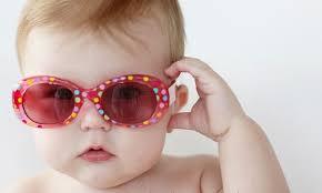 ce9d3689b1 Από ποια ηλικία πρέπει τα παιδιά να φορούν γυαλιά ηλίου ...